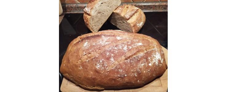 Řemeslný kváskový chléb pšenično - žitný